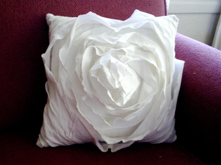 Pavlova Cushion