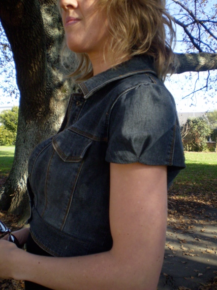 offsquare.com | Refashion a shapeless denim jacket into a flattering crop jacket. Perfect with maxi dresses!