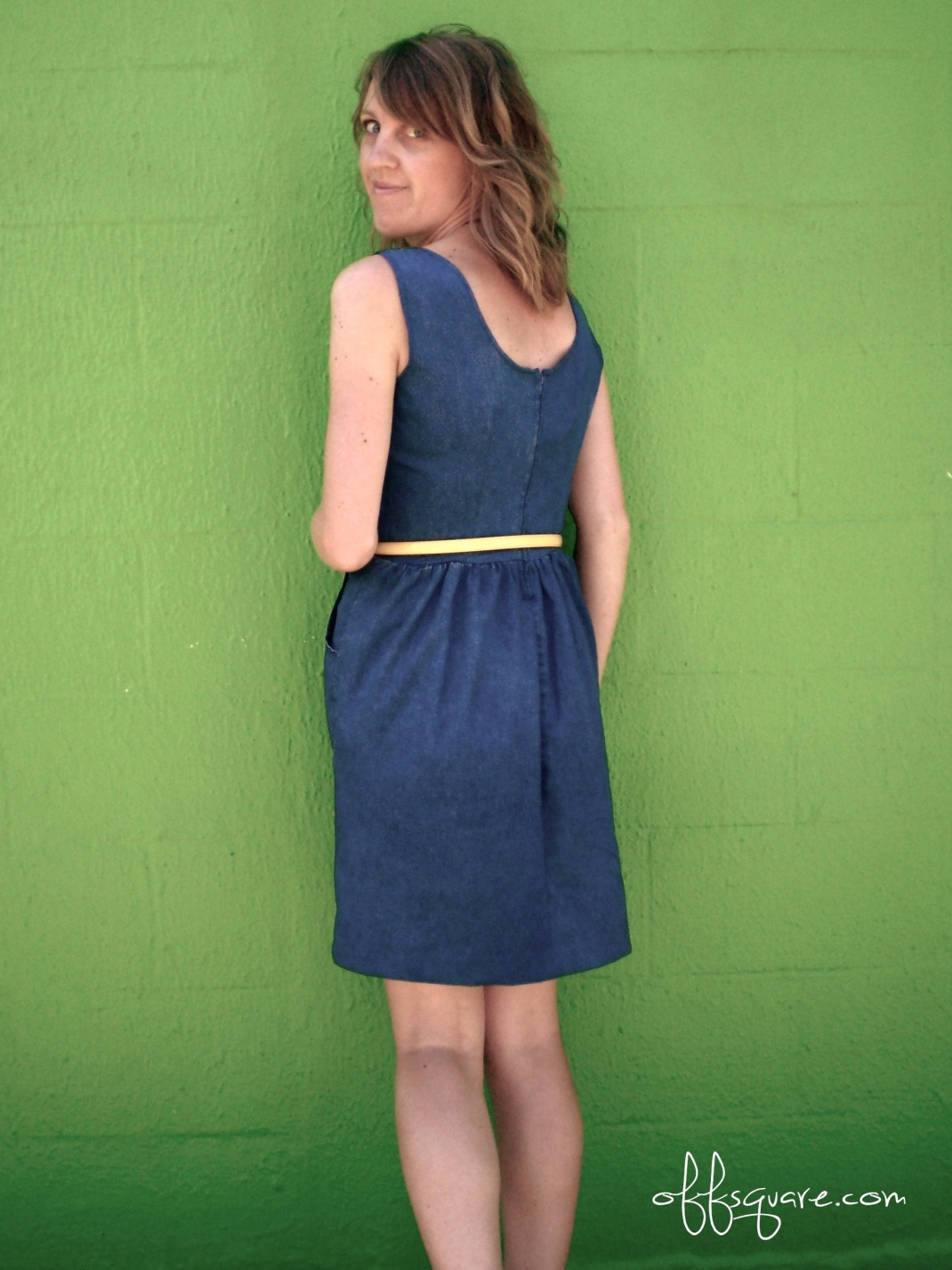 Turn chambray trousers into a cute dress. Must remember this! | Offsquare.com