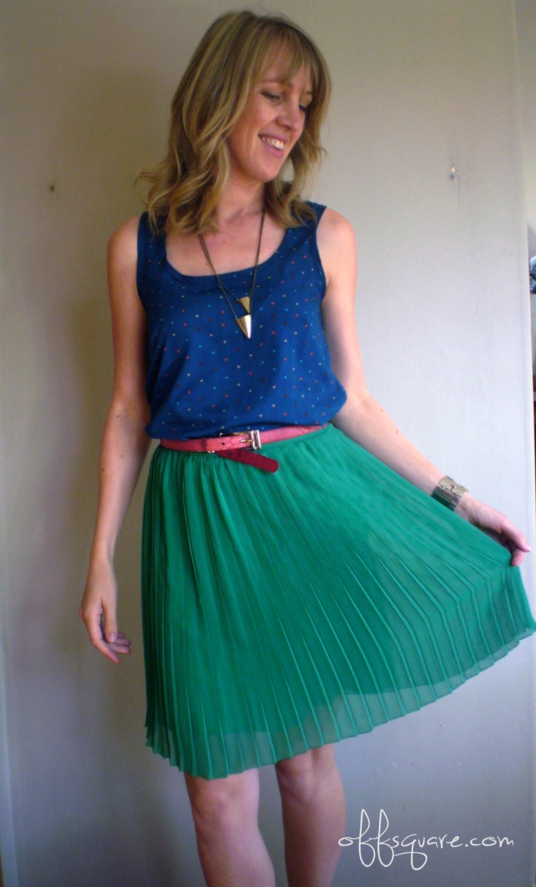 Refashion a pleated dress into a skirt | Offsquare.com